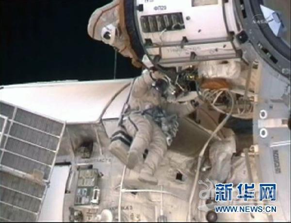 国际空间站俄罗斯宇航员出舱太空行走