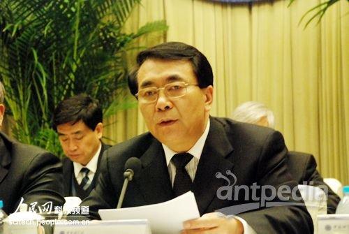 2011年1月25日,中国科学院2011年度工作会议召开。中国科学院常务副院长、党组副书记白春礼在会上作报告。人民网记者 赵竹青摄