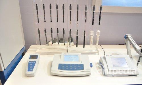 电化学分析仪器